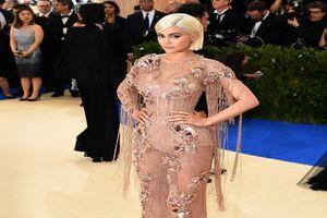 Kylie Cosmetics lance une collection anniversaire bien fournie