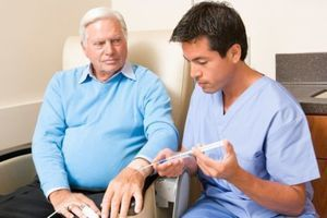 Cancer colorectal : le traitement des personnes âgées s'améliore