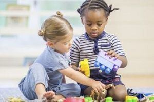 Les jouets en plastique d'occasion peuvent poser des problèmes de santé aux enfants