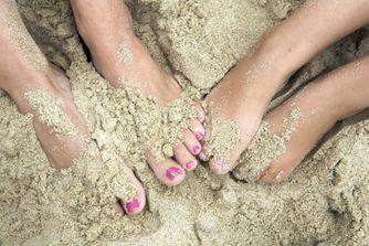 Plage : les maladies qui peuvent se cacher dans le sable