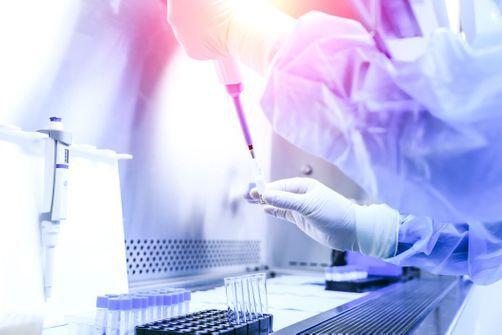 Un laboratoire chinois assure avoir trouvé un traitement — Covid
