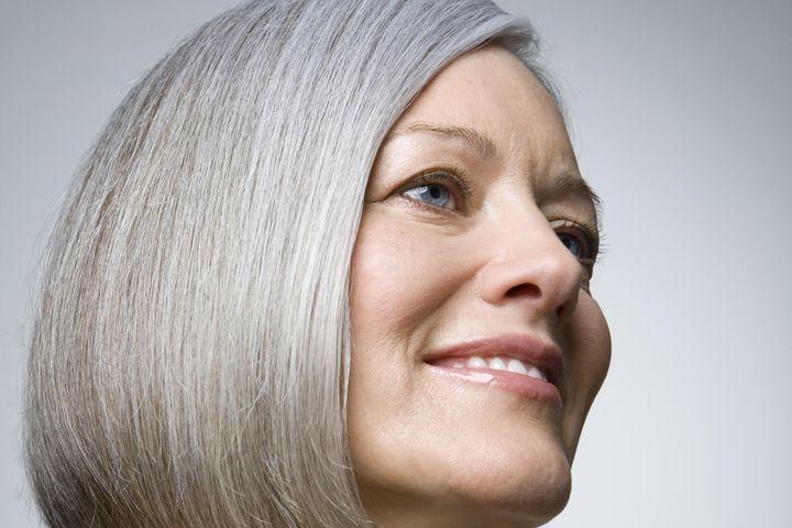 comment prendre soin de ses cheveux blancs