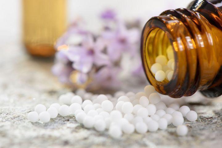Homéopathie: la Haute autorité de santé prône le déremboursement