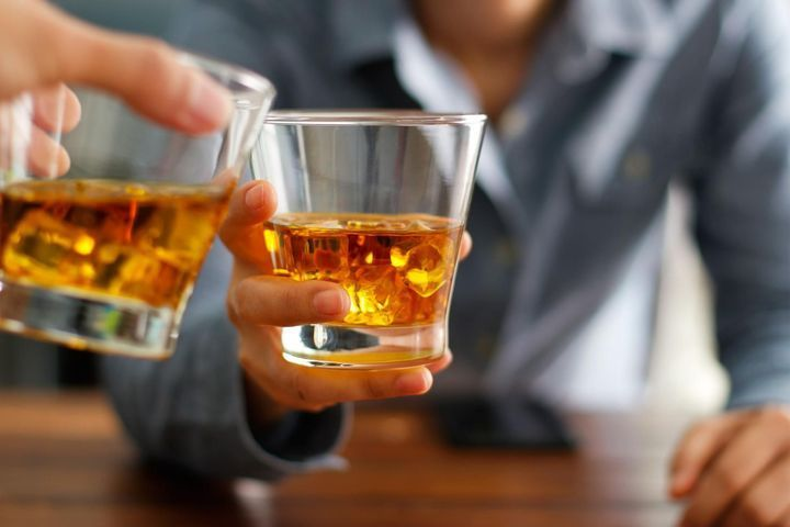 Dépendance à l'alcool contacts associations