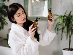 Maquillage ou soins périmés : quels risques pour ma peau ?