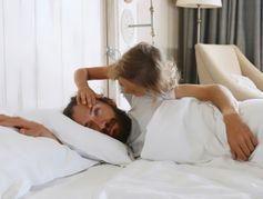 Comment apprendre à un enfant à réagir en situation d'urgence ?