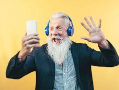Santé mentale, isolement : les réseaux sociaux à la rescousse des personnes âgées ?