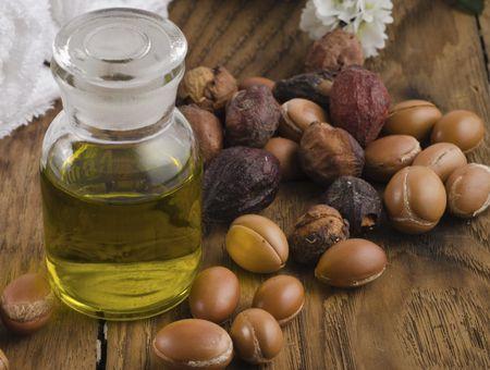 L'huile d'argan, un produit miracle pour la peau, les cheveux et les ongles