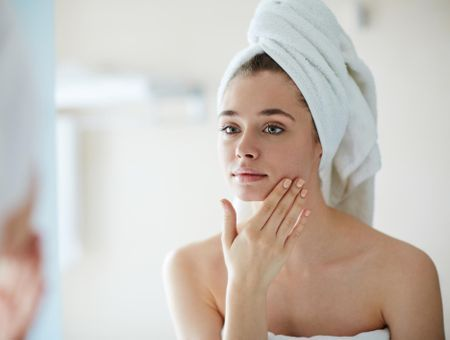 Les produits de beauté indispensables à avoir dans sa salle de bains