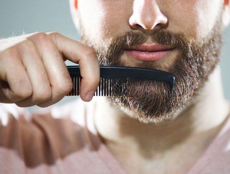 Confinement : tout savoir pour avoir une barbe au poil à la maison