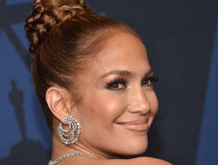 Jennifer Lopez lance sa propre marque de cosmétiques