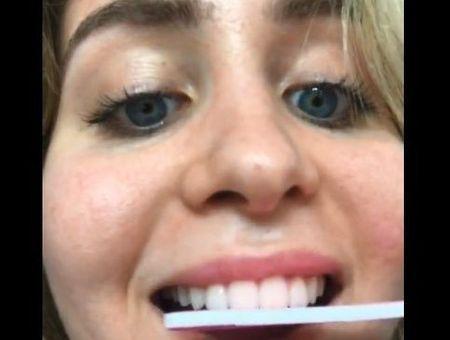 Se limer les dents, la (fausse) bonne idée repérée sur TikTok