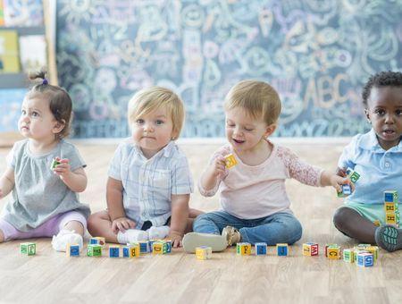 L'amitié chez l'enfant : le rôle des premières relations sociales
