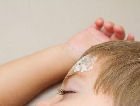 Mon enfant est tombé sur la tête, que faire ?