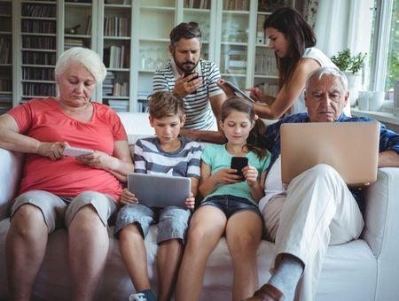Près des trois quarts des seniors français se connectent à Internet pour davantage de lien social