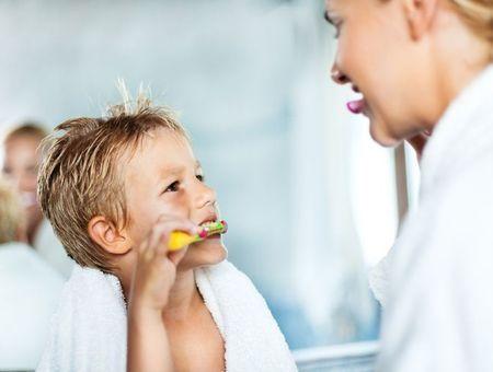 Initier son enfant à l'hygiène : comment lui apprendre à prendre soin de lui ?