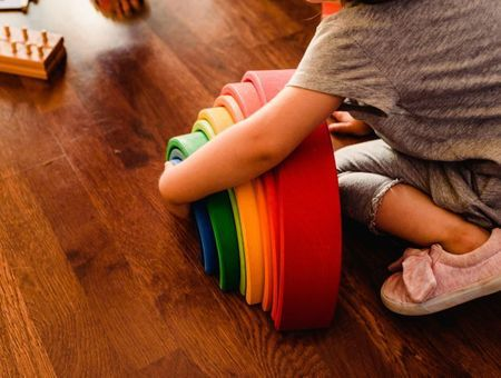 Pourquoi inscrire son enfant dans une école Montessori ?