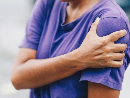 Tendinite de l'épaule : symptômes, traitements, rééducation