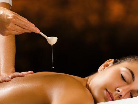 Reconnecter les énergies avec le massage ayurvédique