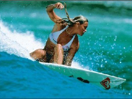 Le surf, un mode de vie au féminin