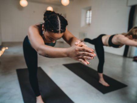 Le yoga Bikram ou la pratique posturale sous 40°C