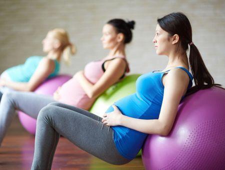 Le sport pendant la grossesse : que puis-je faire trimestre par trimestre ?