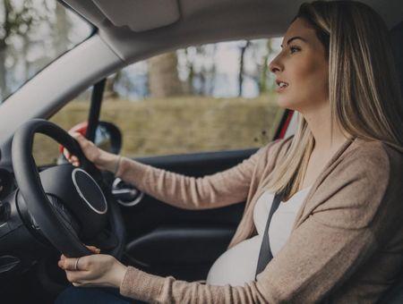 Grossesse : attention aux chocs en voiture