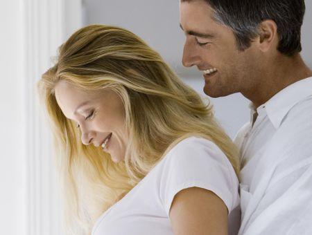 Sexualité pendant la grossesse : témoignages de futurs papas