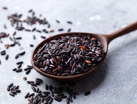 Le riz noir, un super féculent