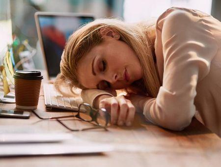 Narcolepsie : causes, symptômes et traitements