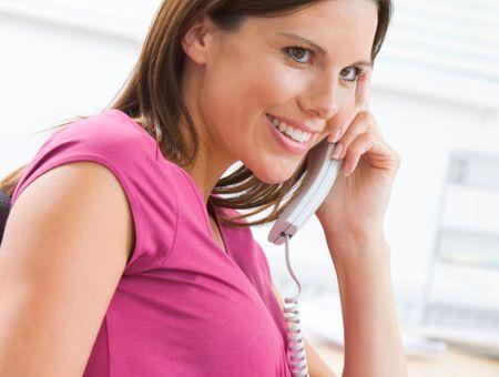 Grossesse au travail : notre guide pour éviter le stress