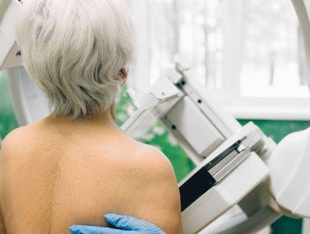 Cancer du sein : après 75 ans le dépistage doit se poursuivre