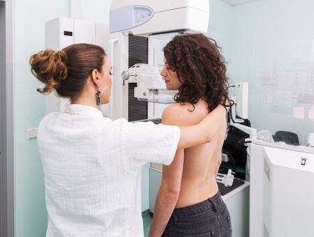Cancer du sein : les idées reçues sur la mammographie