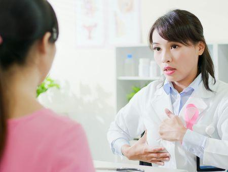 Cancer du sein : quel suivi après les traitements ?