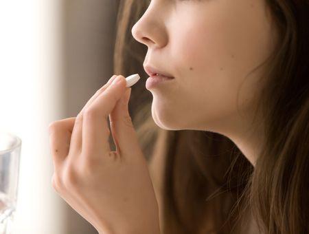 Automédication des maux de gorge
