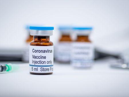 Annonce d'un vaccin russe: vite et bien, est-ce possible?