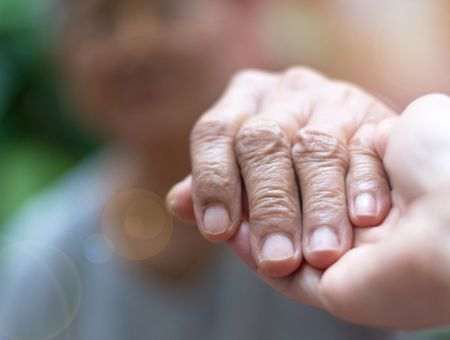 Auxiliaire de vie : un métier peu reconnu mais pourtant indispensable, surtout en période d'épidémie