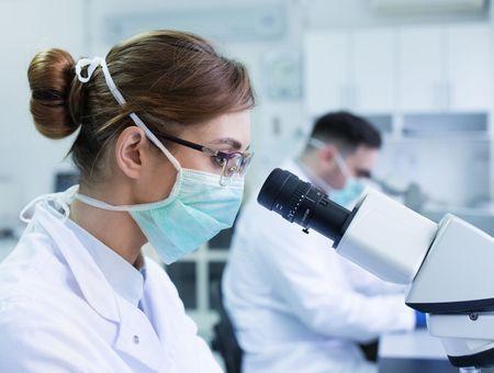Covid-19 : des médecins demandent à autoriser l'immunothérapie