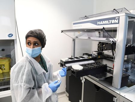 """Dépistage du coronavirus : avec ses robots testeurs, l'Ile-de-France prête à """"faire face"""""""