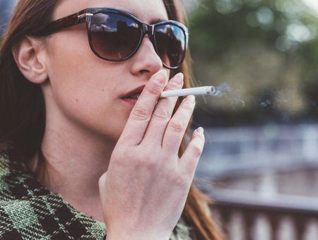 Les fumeurs risquent-ils de développer une forme plus sévère ?