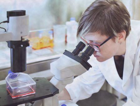 Covid-19 : les rhumes permettraient au système immunitaire de le reconnaître et le combattre