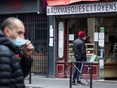 La pandémie ralentit en Europe : la France prolonge le confinement, l'Espagne se remet un peu au travail