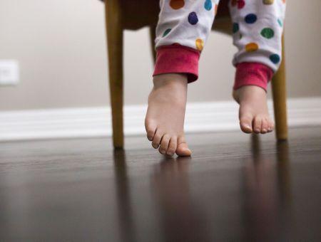 """Les """"orteils covid"""", un indice de la maladie pour les enfants sans symptômes ?"""