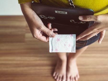 Précarité menstruelle : l'Ecosse devient le premier pays à rendre les protections hygiéniques accessibles gratuitement