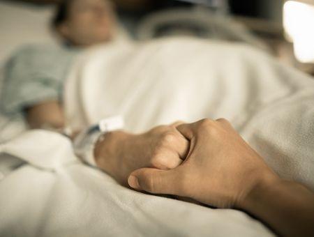Le premier patient guéri du VIH en phase terminale d'un cancer
