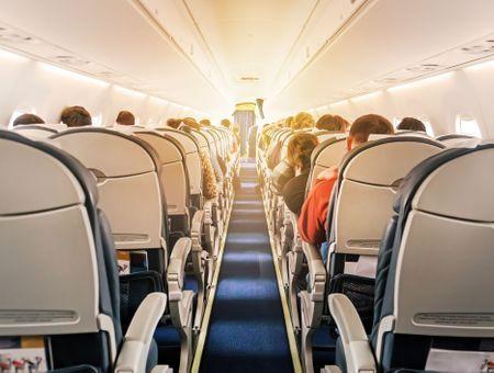 Coronavirus : le risque de transmission dans l'avion serait faible