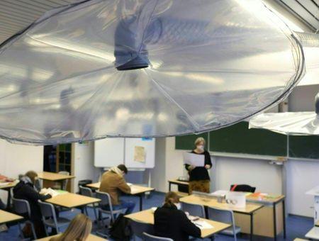 Virus : pour mieux aérer, la solution bricolée d'une école allemande