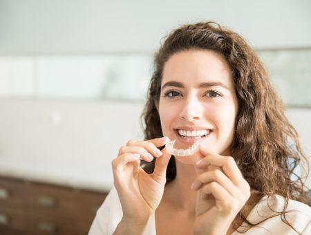 Tout savoir sur l'orthodontie de l'adulte