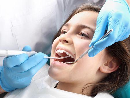 Qu'est-ce que l'hypominéralisation des molaires et des incisives ?