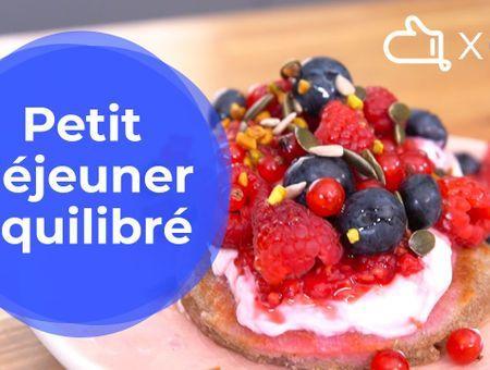 Petit déjeuner équilibré – Recette de pancakes aux fruits rouges